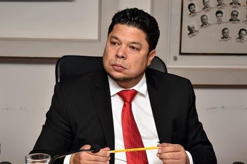 Se va Biestro del Congreso para buscar candidatura a la alcaldía de Puebla