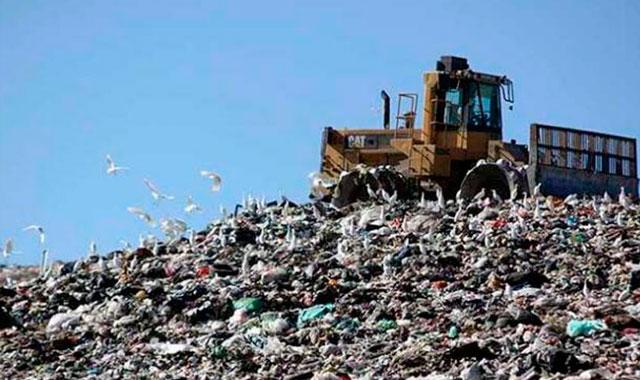Acusan saturación y contaminación de relleno sanitario de Teziutlán