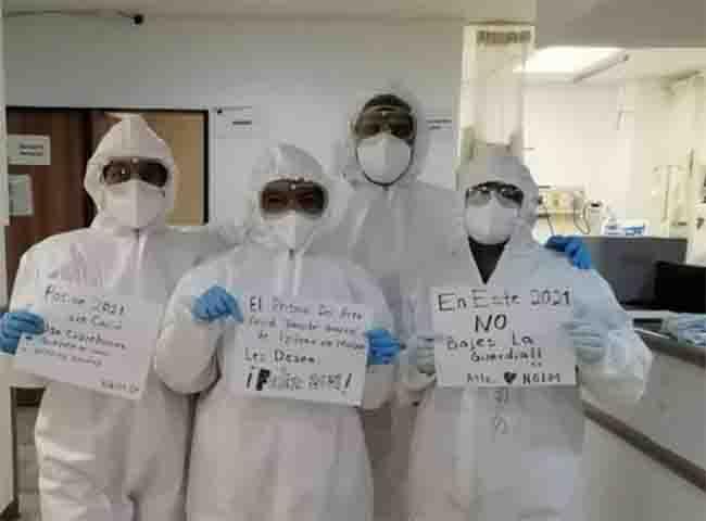 Médicos del Hospital de Izúcar reciben condecoración Miguel Hidalgo