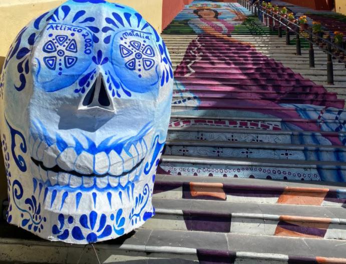 Colocan cinco cráneos en calles de Atlixco