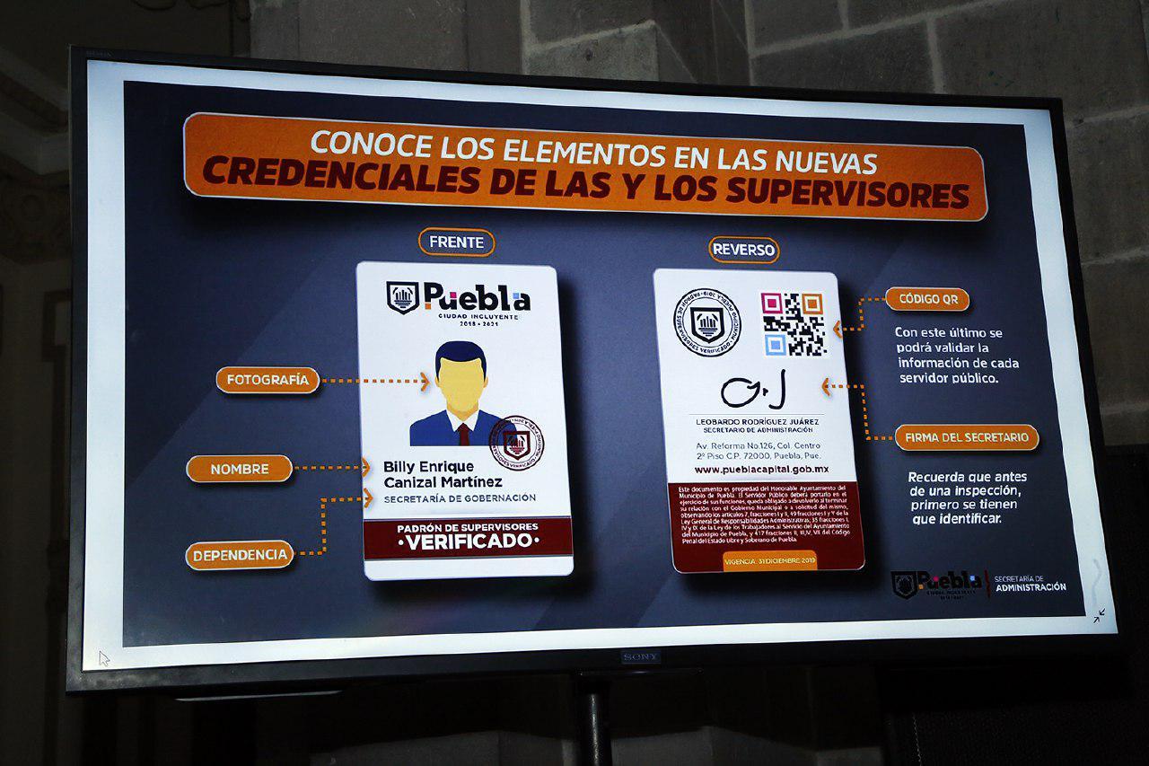 Para evitar corrupción dan credenciales QR  a supervisores en Puebla
