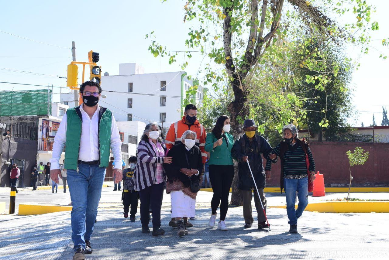 Paso a nivel de banqueta favorece en Puebla a más de 8 mil personas