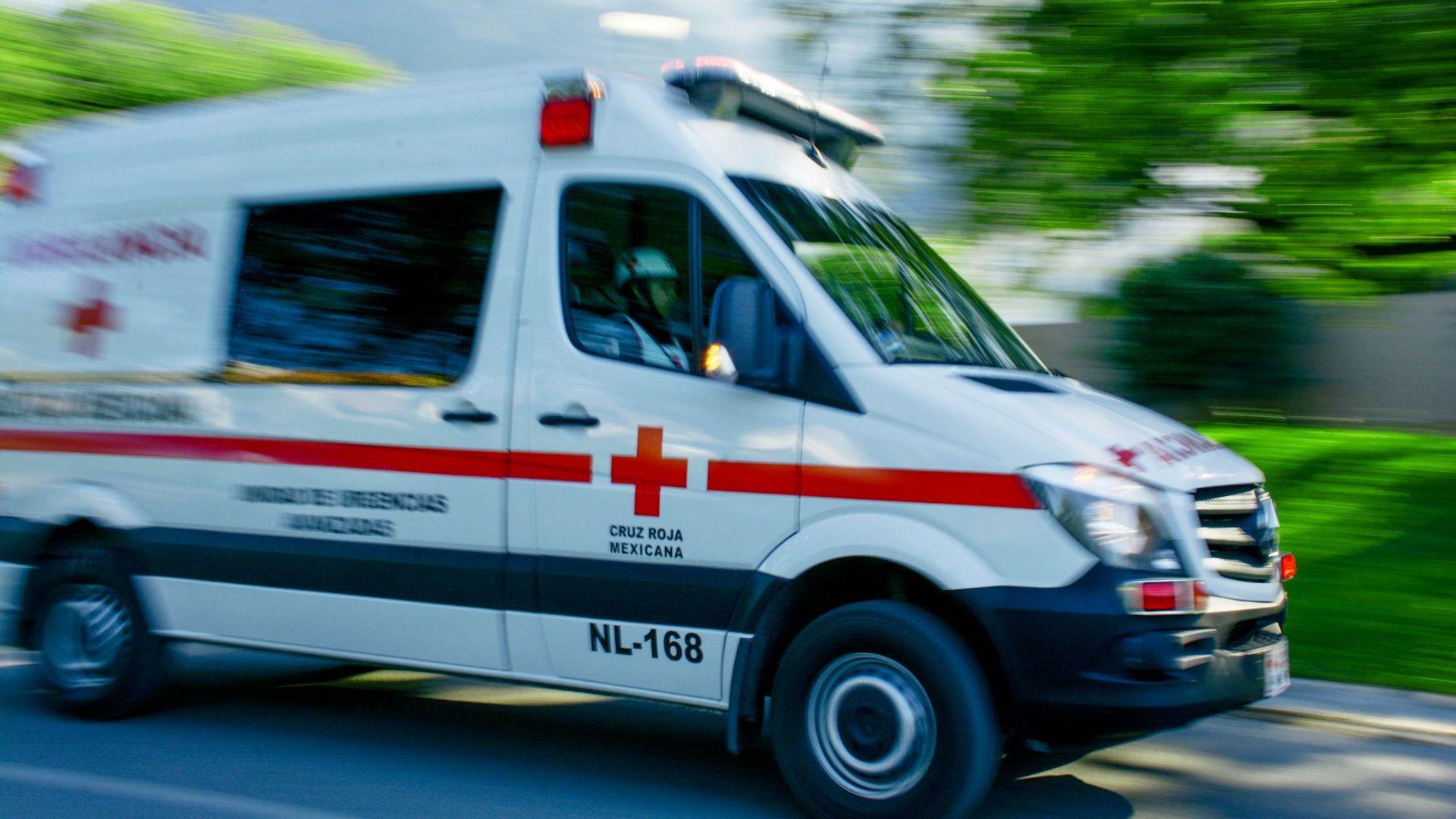 Mueren 3 personas en accidente cuando iban de visita a Piaxtla