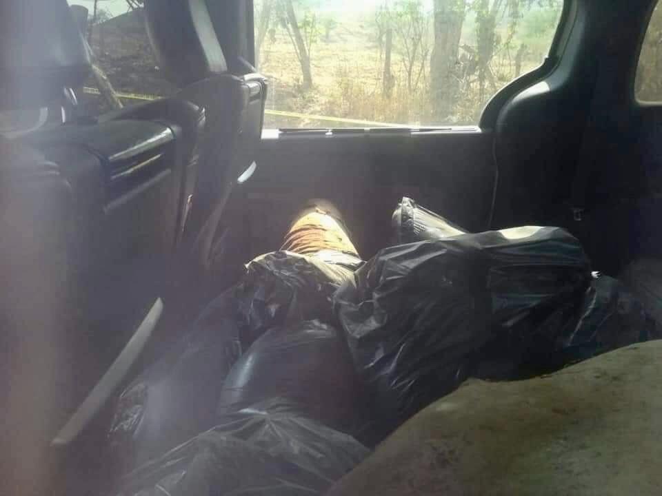 Abandonan en bolsas cuerpos descuartizados de siete policías