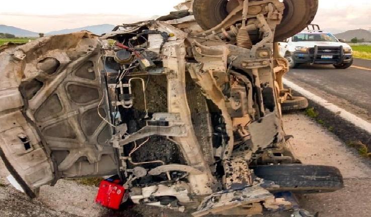 Fuerte accidente deja dos muertos en Cuyoaco