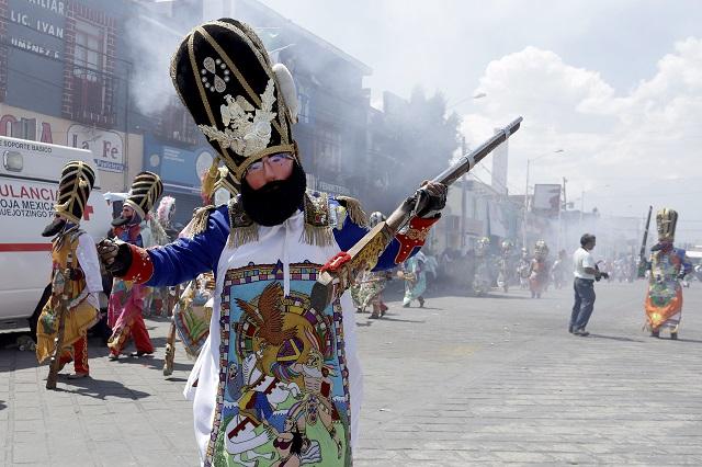 En Huejotzingo, danzantes desafían al Covid