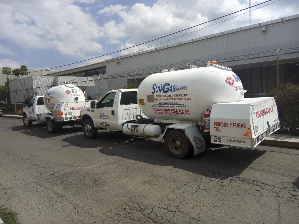 Los detienen en Amozoc con pipas clandestinas de gas LP
