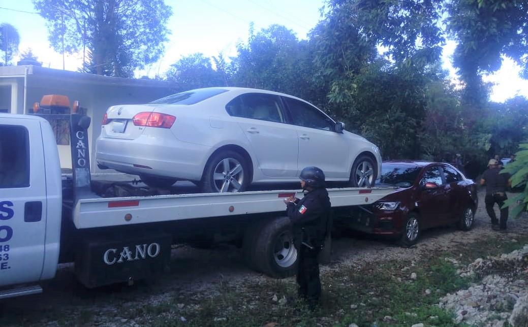 Abandonan en Xicotepec vehículos robados