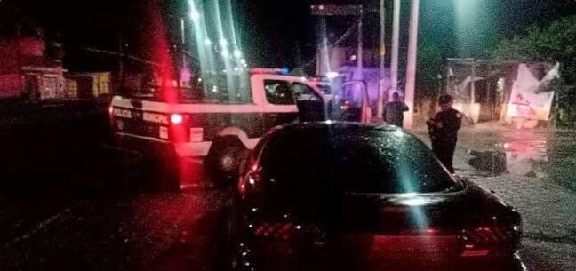 Ebrio le arranca dedo de una mordida a policía en Tlacotepec