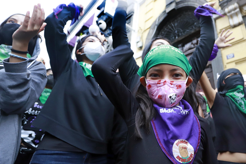 Exigen despenalizar el aborto en Puebla, Congreso no tiene para cuándo