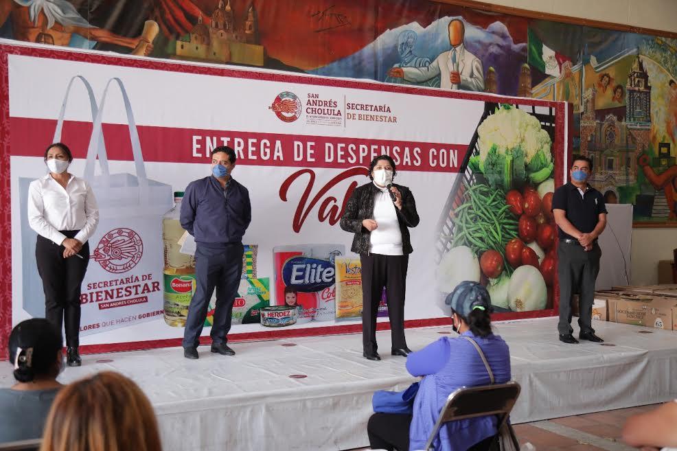 Mil 480 familias beneficiadas con despensas en San Andrés Cholula