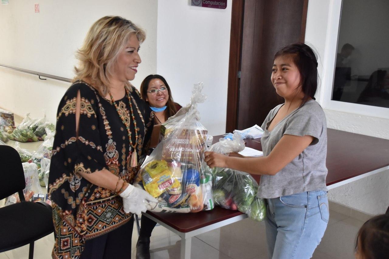 Con apoyo de Banco de Alimentos, Coronango entrega despensas