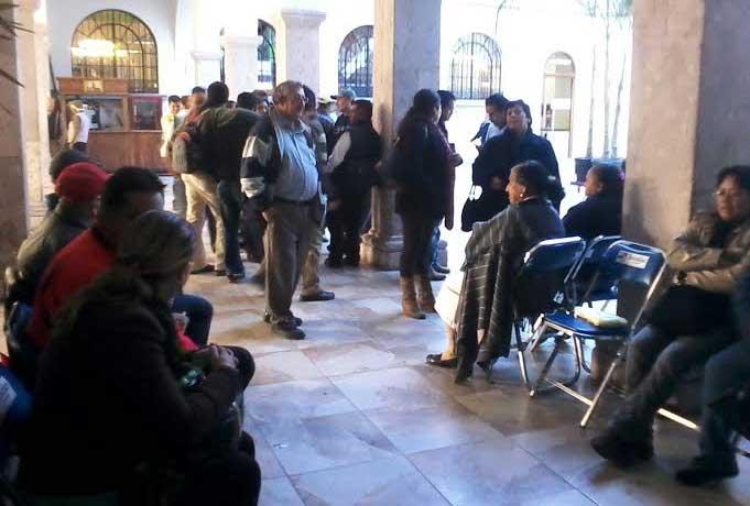 Despiden a 200 empleados del Ayuntamiento de Teziutlán