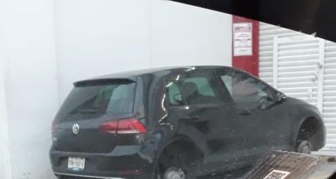 Una constante, que ladrones desvalijen autos en calles de Texmelucan: vecinos