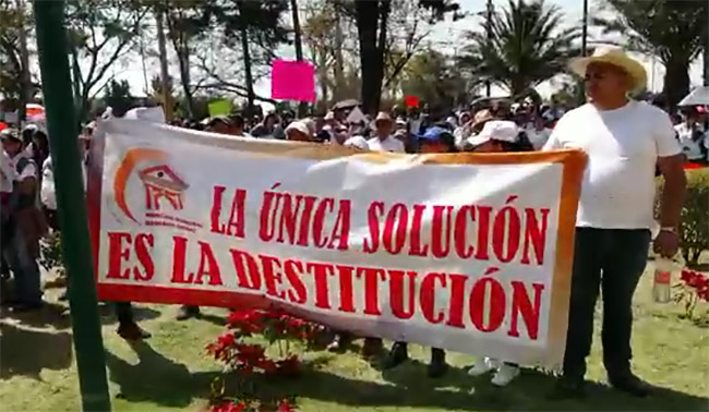 Ciudadanos toman alcaldía de Texmelucan; exigen destitución de Layón