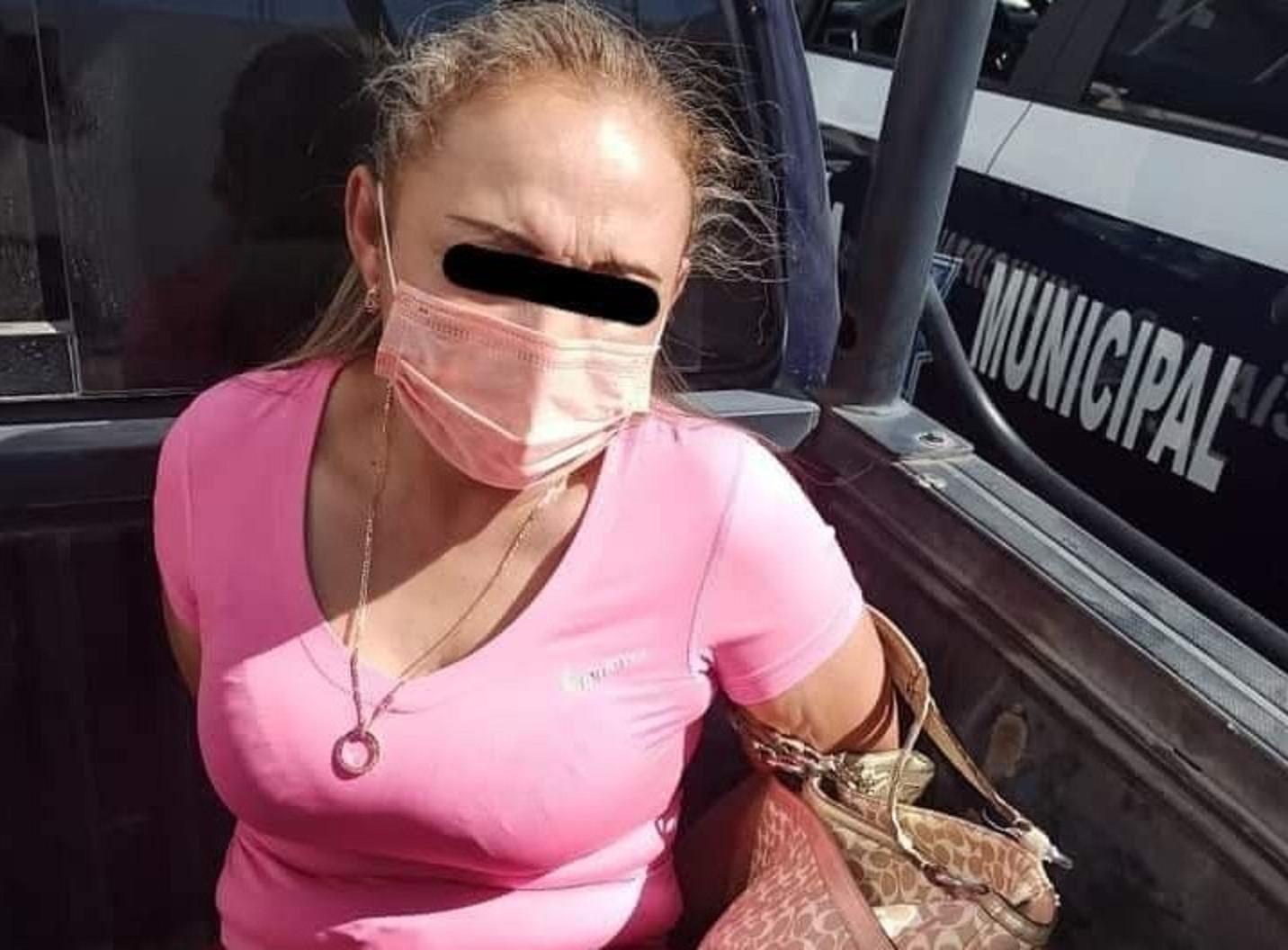 Detienen a mujer por portación ilegal de arma de fuego en Tehuacán