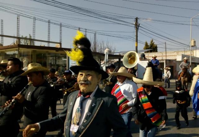 Con mascaritas inician actividades de carnaval de Huejotzingo