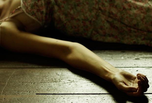Hallan muerta a mujer en su vivienda en Tehuacán, indagan suicidio