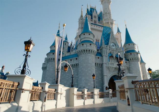 California alista reapertura de Disneylandia y estadios