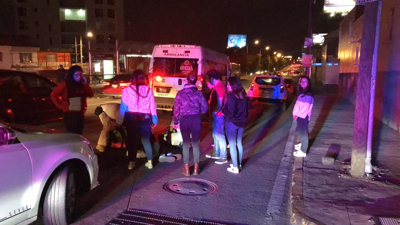Conductora de Tiguan atropella a repartidor de Rappi y huye