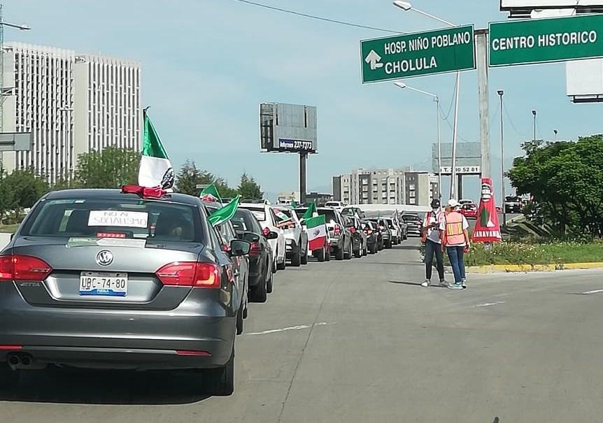 Por tercera semana realizan poblanos marcha antiAMLO