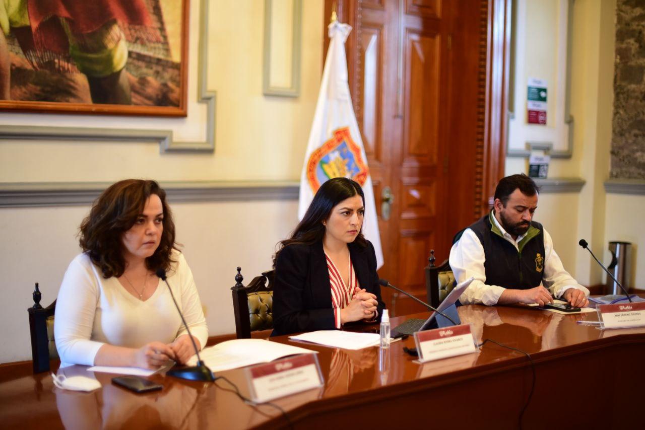 Reforzarán rondines en zonas universitarias, promete Claudia Rivera