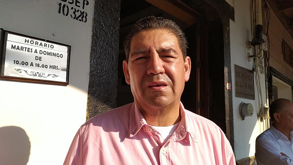 Morenistas le dan la espalda al edil de Juan Galindo