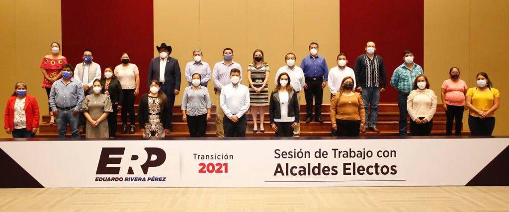Eduardo Rivera y Liliana Ortiz comparten experiencias con ediles electos