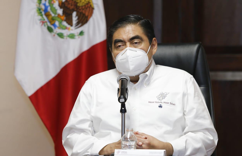 Llega Barbosa a 1 año de gobierno sorteando una pandemia