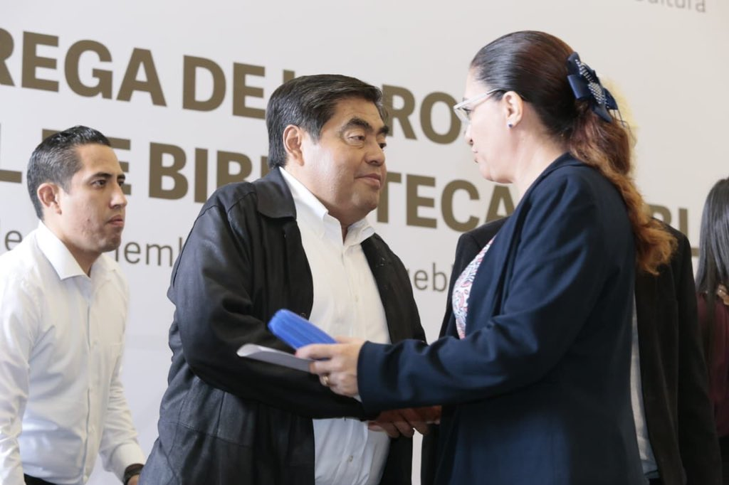 Entrega Barbosa 9 mil libros a las bibliotecas de 29 municipios
