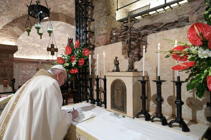 El papa expresa su preocupación por los enfrentamientos violentos en Colombia
