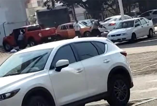 VIDEO Graban ejecución frente a Walmart