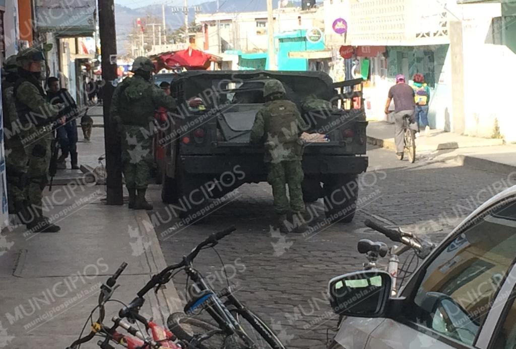 Ejército custodia Hospital Serdán por ingreso de uno de Los Zúñiga
