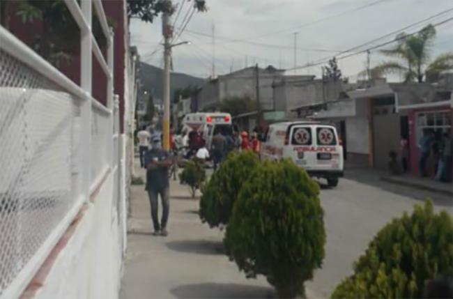Muere trabajador del Ayuntamiento de Tecamachalco al caer de poste