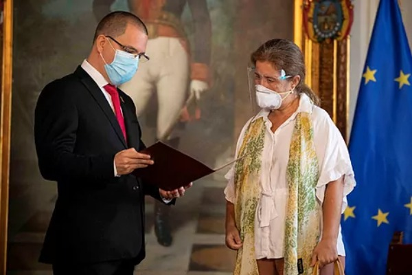 Venezuela provoca a la Unión Europea con la expulsión de su embajadora
