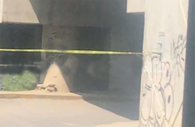 Dejan cadáver encobijado bajo el puente de la Resurrección en Puebla