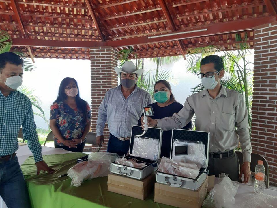 Ediles de la Mixteca donan equipo Covid al Hospital de Izúcar