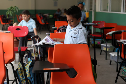 Gobierno, sin fondos para apoyar a escuelas privadas que cierren por Covid: Barbosa