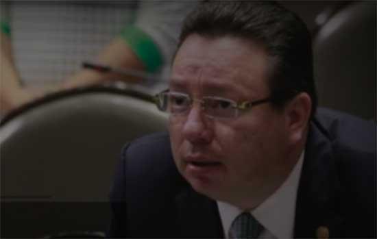 Eukid Castañón sigue sumando delitos, ahora por amenazas