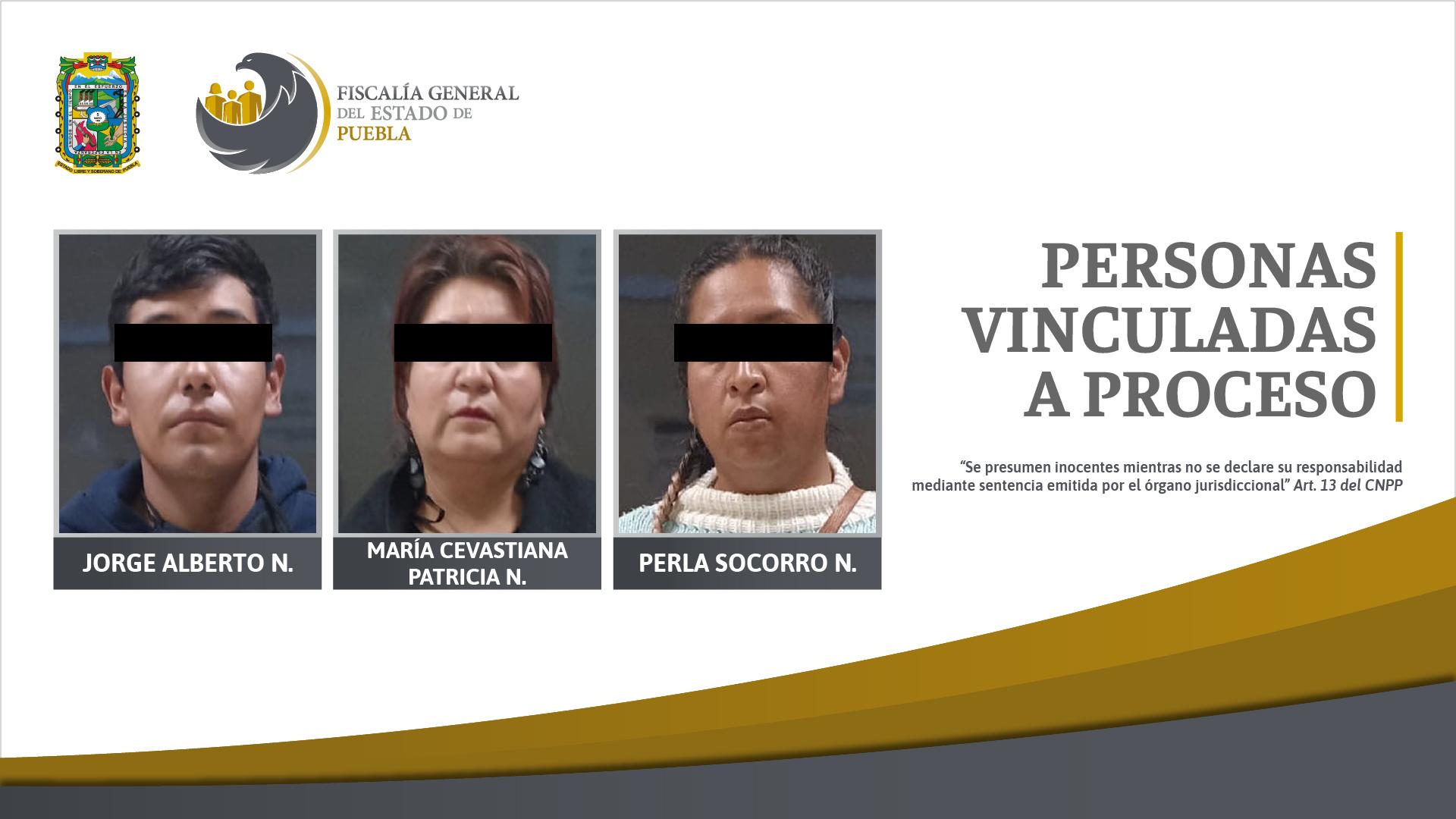 Caen tres por intentar sacar vehículo del corralón con documentos falsos en Puebla