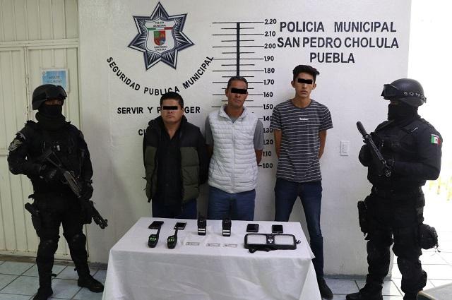 Atrapan a tres policías pirata en Forjadores