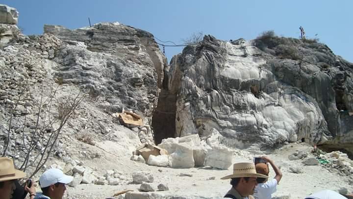 Revisan minas de ónix para prevenir derrumbes en Zapotitlán