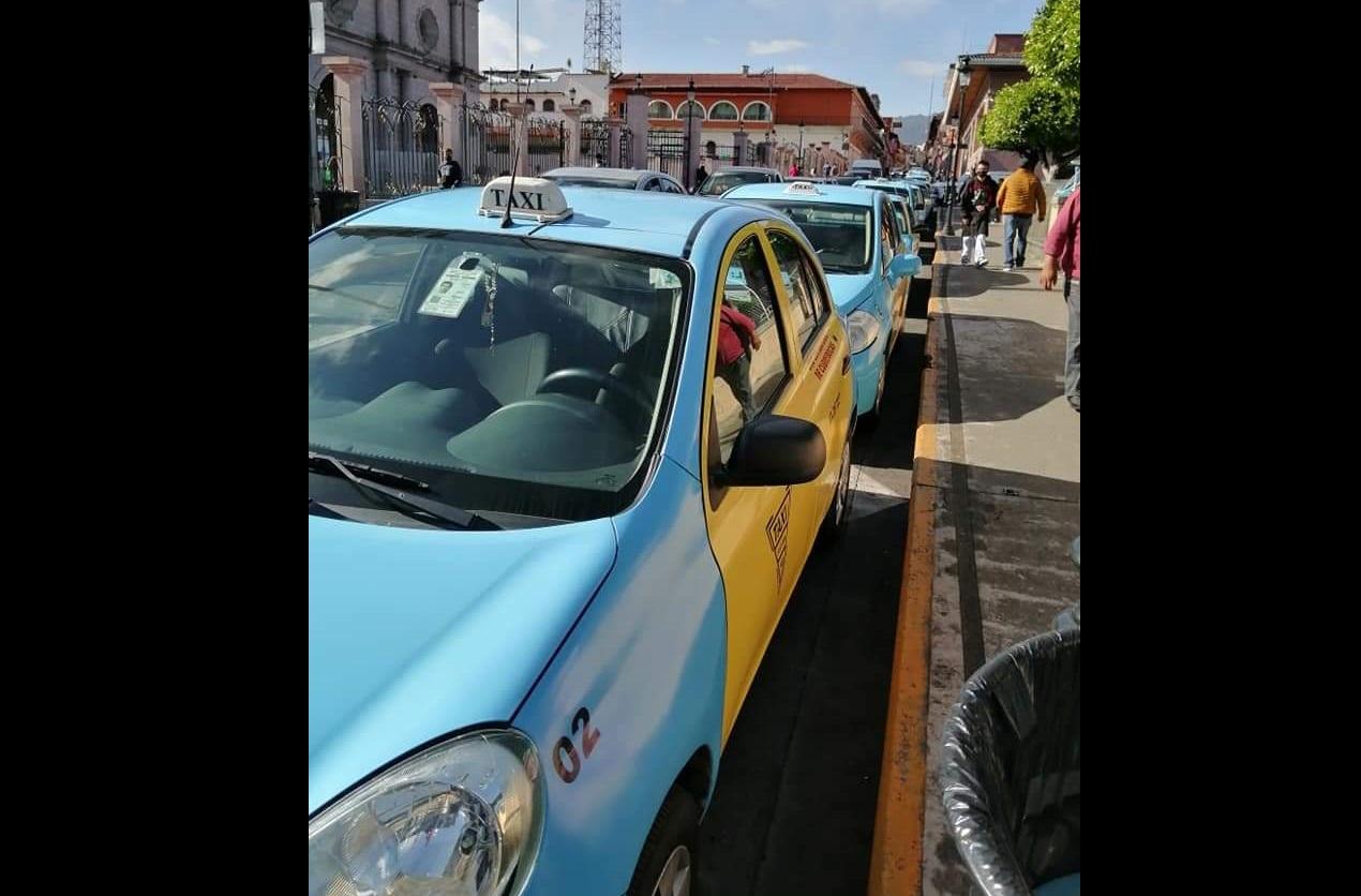 Taxistas protestan contra plataforma de transporte Pronto en Teziutlán