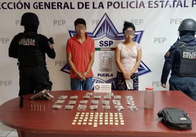 Caen narcomenudistas con armas y un frasco con un feto humano en Puebla