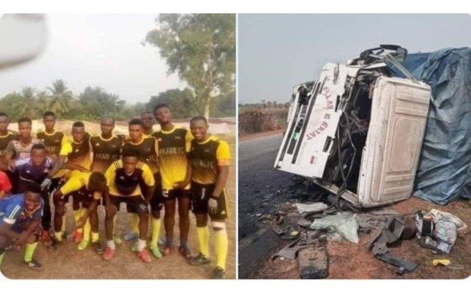 Mueren 9 futbolistas y el entrenador en accidente automovilístico