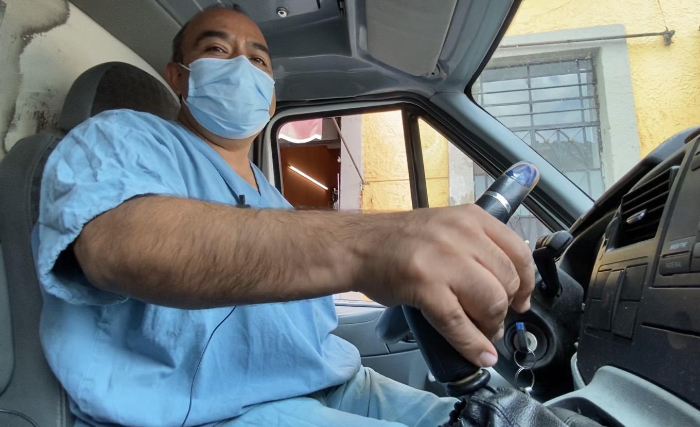 Operadores de ambulancias del IMSS relatan experiencias ante Covid-19