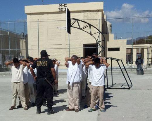 Vigilan salud de reos y custodios en Tehuacán ante riesgo de Covid