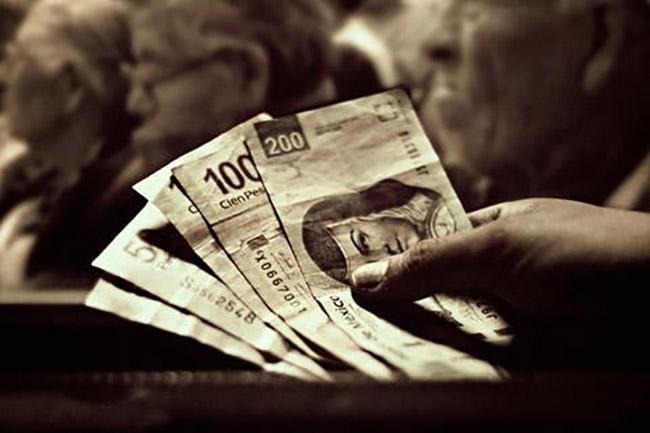 Me pidieron 3 mil pesos para entrar a programas sociales pero fue un fraude: vecina de Izúcar