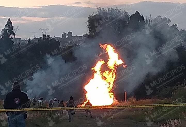 Tardará unas 36 horas en extinguirse fuego en Almecatla