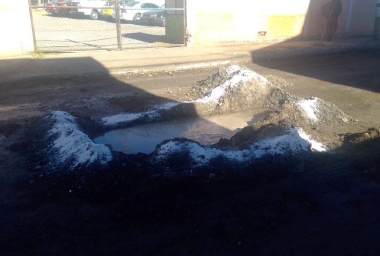 VIDEO En obras en la Capu rompen tuberías y dejan la fuga en Puebla